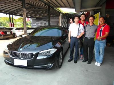 賀!!2012 BMW 520i 總代理 黑 交車!!!