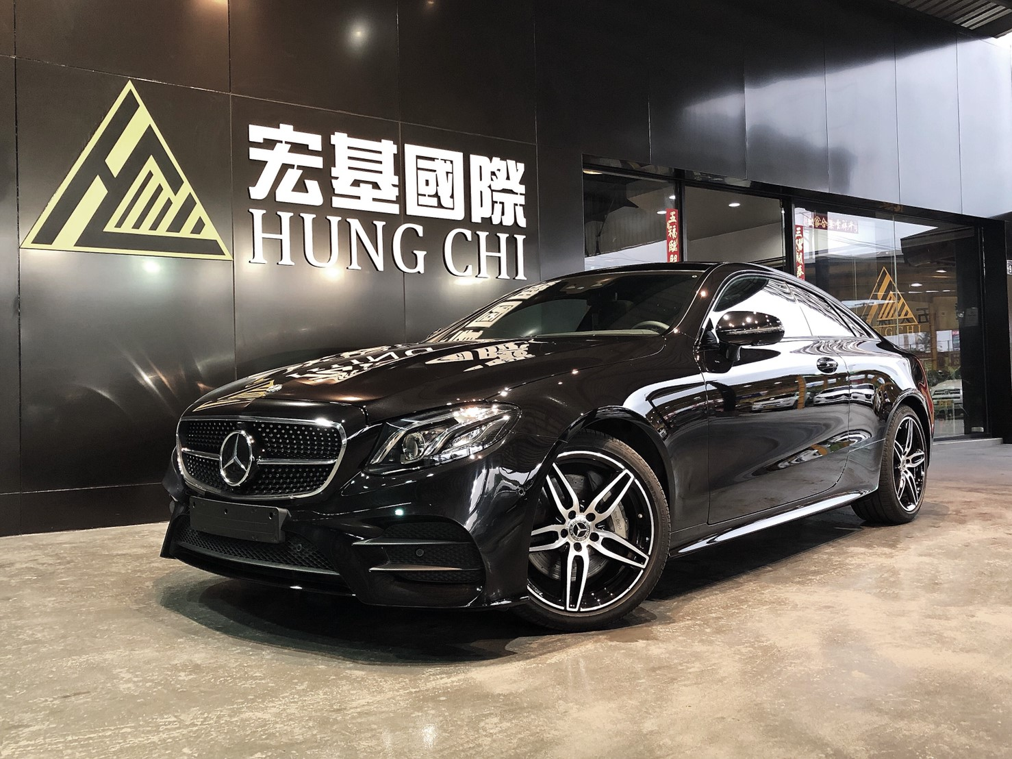 M-BENZ E300 AMG Coupe